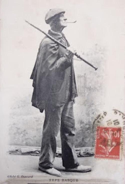 Le bâton de marche basque-00008